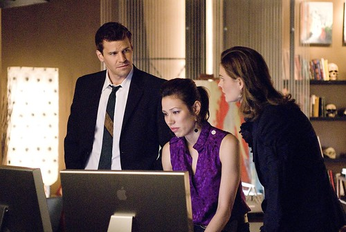 HiRes 4x04 - The Finger in the Nest by Bones Picture Archive.