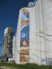 Hiawatha Avenue Mural by Sara Rotholz Weiner