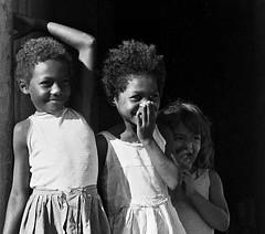 meninas baianas (jcfilizola) Tags: girls brasil bahia prado meninas alcobaa caravelas disco11 africaemnos