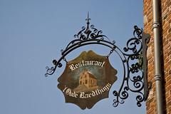 ´t Oude Raedthuys-6249 (Arie van Tilborg) Tags: maas brabant molen vestingstad jacobavanbeieren martinuskerk woudrichem nooitgedagt arievantilborg tlbdemonnl avantilborg