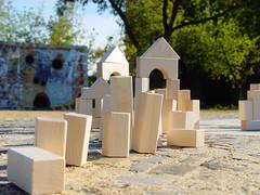 DSC09923 (Hans and Carolyn) Tags: playing children maple woodentoys ecofriendly buildingblocks madeincanada kidschildren woodenbricks ecotoys ukoonto