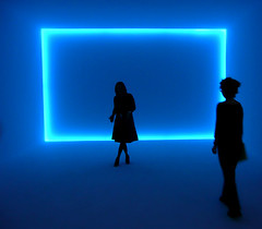 Neon Silhouettes (` Toshio ') Tags: blue woman usa color silhouette museum standing mall pose washingtondc smithsonian dc washington cool districtofcolumbia women neon artist artistic modernart space room hirshhorn depth coolblue hirshhornmuseum toshio dougwheeler superaplus aplusphoto thepanzacollection