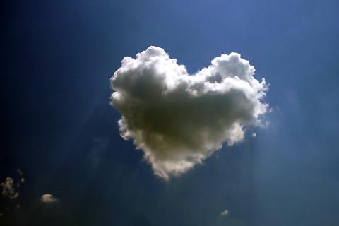 奇跡的にとらえられた雲の写真 :...