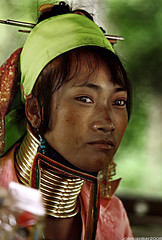 Long Neck Tribe (archjoshua) Tags: travel portrait people portraits neck thailand necklace asia southeastasia long village faces burma traditional hill tribal karen ring rings longneck tribes myanmar tribe ethnic brass burmese mujeres birma coils bodymodification indigenous villagers hilltribes padang hilltribe maehongson longnecktribe karentribe padong longnecks padaung birmanie collo kayan longo canoneos5d birmania longneckkaren mujeresjirafa 70200f28lisusm burmeseborder paduang giraffewomen joshuaviray2008 longneckladiesofthailand