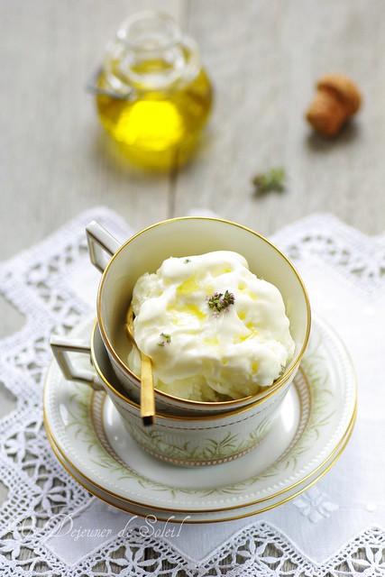 Olive oil frozen yoghurt