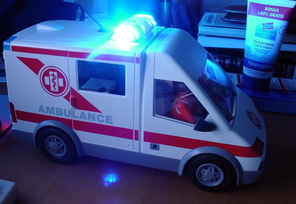 the world 39 s best photos of ambulance and playmobil. Black Bedroom Furniture Sets. Home Design Ideas