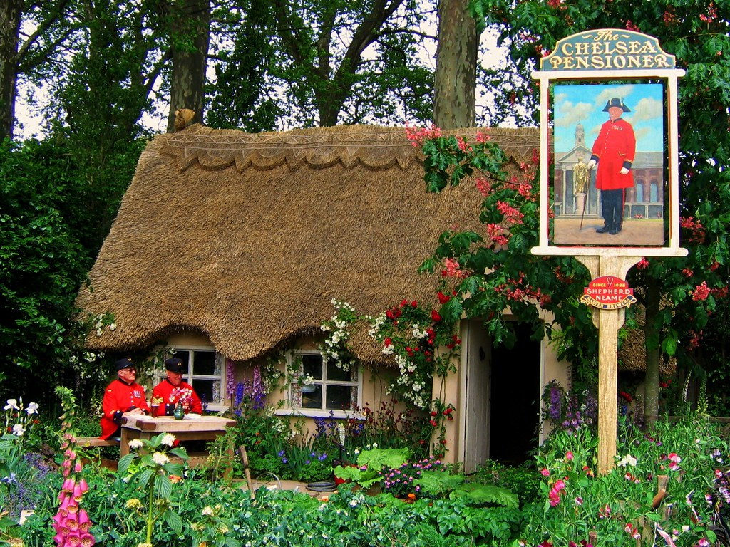 The 2008 Chelsea Flower Show starts Today (if you are a Royal, VIP or Celebrity)