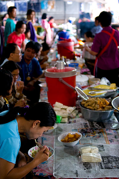 Breakfast at Mae Hong Song's morning market