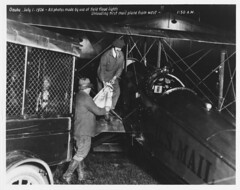Unloading Airmail in Omaha, Nebraska on July 1, 1924 (Smithsonian Institution) Tags: smithsonianinstitution omaha airmail usps plane wagon truck mail earlyaviation postalservice nebraska 1924 0150am usmail biplane package del labor aviation uspostalservice airplane maildelivery pilot letter frankyager dehavilland dehavillanddh4dehavillanddh4b dh4 dh4b yager nationalpostalmuseum frankryager airmailpilot omahanebraska mailacrossthecommons