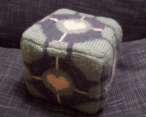 Knitted Companion Cube