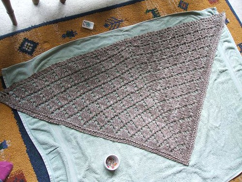 Biffle shawl