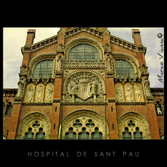 El Hospital de Sant Pau (m@tr) Tags: barcelona espaa canon arquitectura catalunya catalua hospitaldelasantacreuisantpau llusdomnechimontaner canonefs1855mmf3556 canoneos400ddigital mtr marcovianna hospitaldesantpaudebarcelona