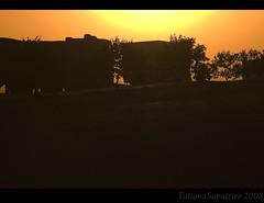Viajar é preciso é preciso... (.Tatiana.) Tags: sunset pordosol truck naestrada silhueta dedentrodocarro caminhões commarcusemami indoparapenápolis