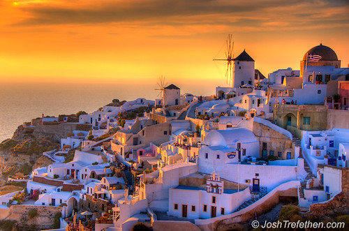 Summer Lovers :: Oia, Santorini, Greece / Josh Trefethen
