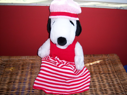 Snoopy modeling handknits