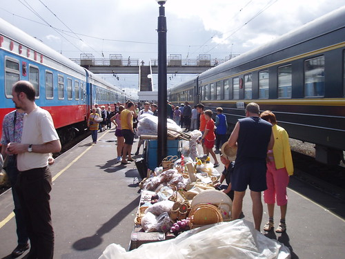 Many sellers on the train platforms
