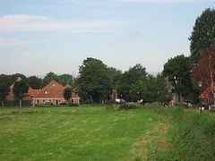 Holysloot zicht op dorp (Arthur-A) Tags: netherlands amsterdam nederland polder dorp landschap holysloot