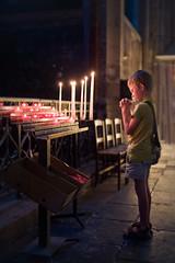 Une priere - meditant.eu (Meditant) Tags: paris enfants enfant eglise dieu 5eme priere