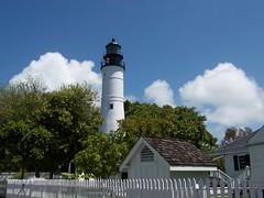 Truman lighthouse Key West, Florida (SnapShotStar) Tags: lighthouse florida keywest duvalstreet nowthatssky thecloudappreciationsociety 10millionphotos trumanavenue trumanlighthouse