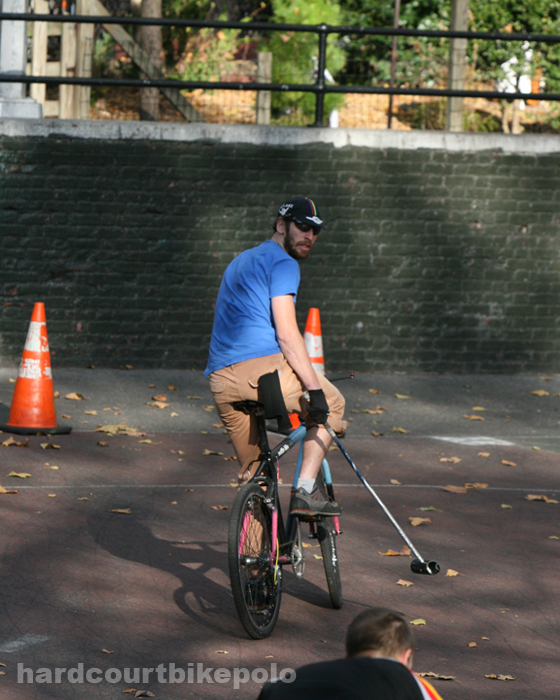 bike polo nyc 11-9-2008 Leon