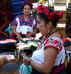 the $ale (uteart) Tags: woman mexico colorful market embroidery feria jalisco 600 oaxaca carpets indigenous ajijic blouses weavings mywinners utehagen uteart thesale woolcarpets