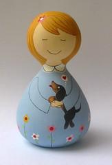 Tetê e Lilica (Belle Bellica) Tags: flowers blue dog flores doll cachorro boneca babushka