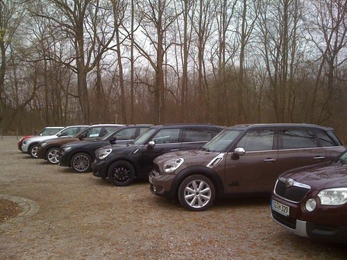 MINI Countryman in Absolute Black and Light Coffee