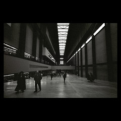 Tate Modern Interior (Spkennedy3000 - Architectural Photographer) Tags: blackandwhite zeiss fuji 1600 contax carl g2 neopan lovely kyocera f28 external viewfinder 21mm biogon artisticexpression supershot jubbly platinumphoto goldstaraward