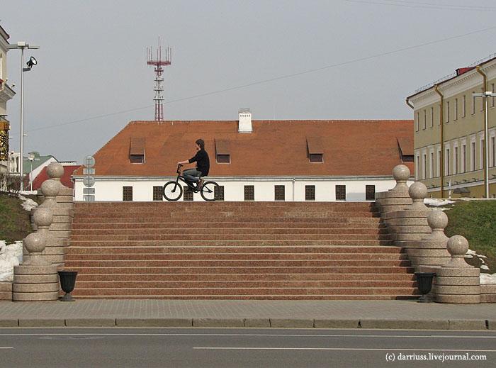 minsk_bike_monastery