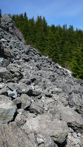 山頂巨石區