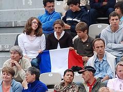 31 mai 2008 Paris Stade Roland Garros Internationaux de France Public Court Suzanne Lenglen (2) (melina1965) Tags: blue red white paris rouge nikon colorful ledefrance may multicoloured bleu tennis mai multicolored 2008 blanc rolandgarros 75016 multicolore d80 st