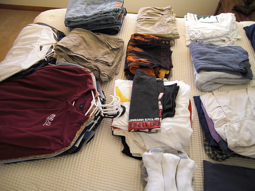Clothes to discard while traveling