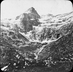 Tusse de Montarqu et troisime lac d'O (bibliothequedetoulouse) Tags: mountain ice monochrome photography blackwhite glace blancetnoir monyagne bibliothquedetoulouse