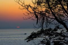 Fim-de-tarde (Claudio Arriens) Tags: sol brasil natureza portoalegre canoneos350d guaíba riograndedosul canoneosrebelxt canonef28135mmis diaadiabrasileiro