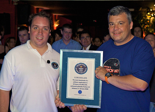 Tristan Nitot receiving the Guinness World Record certificate at the London Firefox 3 party!