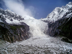 China Travel - Hailuogou Glacier, Sichuan  (Lao Wu Zei) Tags: china travel mountain snow mountains nature travels photos glacier 100views qingdao laoshan emeishan favourite  sichuan  jiuzhaigou huanglong   hunan  shandong  huangshan zhangjiajie  taishan          hailuogou
