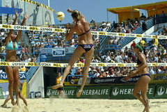 Kerri Walsh Misty May_Treanor AVP Crocs Open Mason Oh 200 (John Barrie Photography) Tags: ohio mason oh avp crocs goldmedalist harpo sandvolleyball masonohio kerriwalsh beijingolympics womensvolleyball mistymayteanor oparah oparahwhinfrey johnbarrie johnbarriephotography velocityphotography