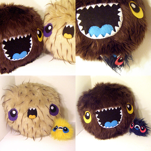MEGA MONSTER PILLOWS WITH BABIES