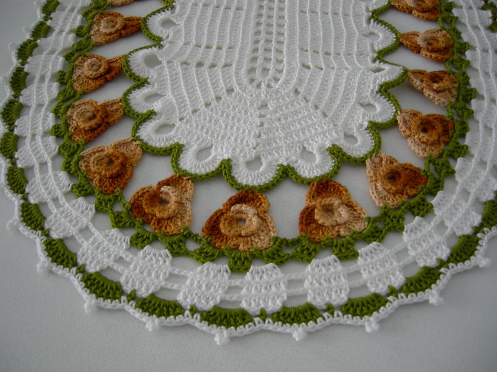 The world 39 s best photos of crochet and rendas flickr - Centro de mesa a crochet ovalado ...