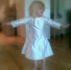 dress on :: prøving