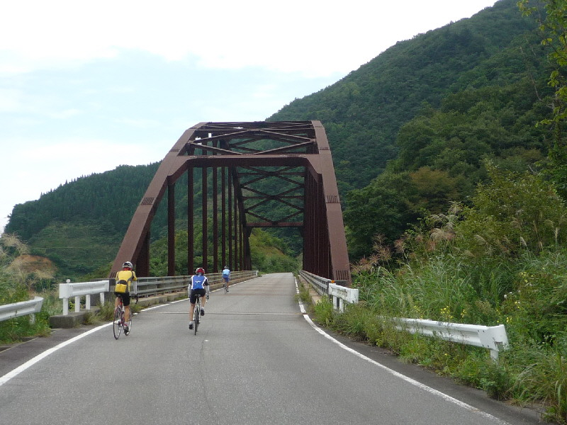 立派な橋。
