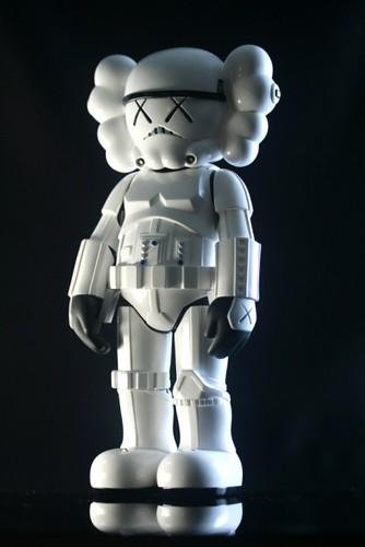 IMG_4722 400x599 by toybot studios.