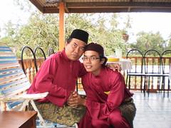 like dad like son (maarufm) Tags: raya 2008 aidilfitri