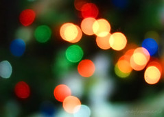 The Colors of Christmas (manfrommanila) Tags: christmas blue red orange green yellow canon lights bokeh circles powershot pasko hbw s3is manfrommanila junbalasbas kumukutikutitap