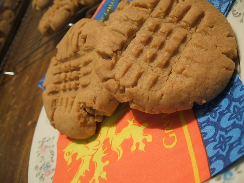 classic crosshatch peanut butter cookies