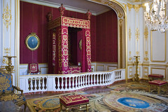 Queen's Bed Chamber - Chambord (4 015) (Malcolm Bull) Tags: france architecture digital de french photo bed nikon king image queens photograph valley chamber chambord francois nikkor dslr chateau loire renaissance include loiretcher bedchamber d80 20080921france4015edited1web