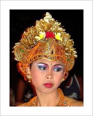 Bali - desa Ubud (Franc Le Blanc .) Tags: bali girl indonesia dancer ubud abigfave earthasia