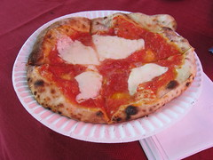Brooklyn Flea: Pizza Moto - pizza with tomato and mozzarella