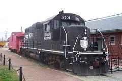 Illinois Central Locomotive & Caboose