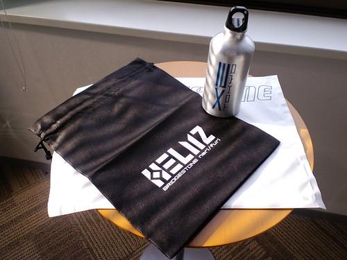 X2 TOKYOアルミボトルとHELMZ巾着をいただきました!